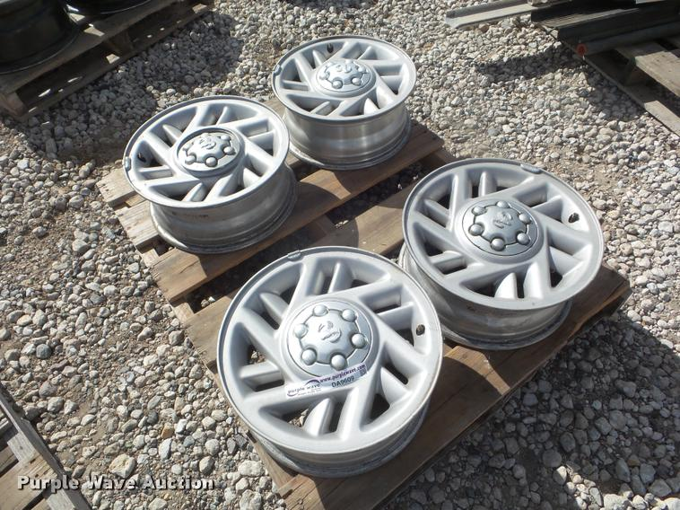 (4) 1995 to 1998 Dodge Dakota pickup truck wheels