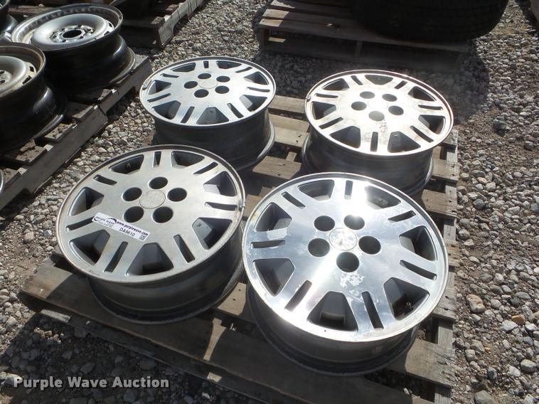 (4) 1991 Chevrolet Lumina wheels