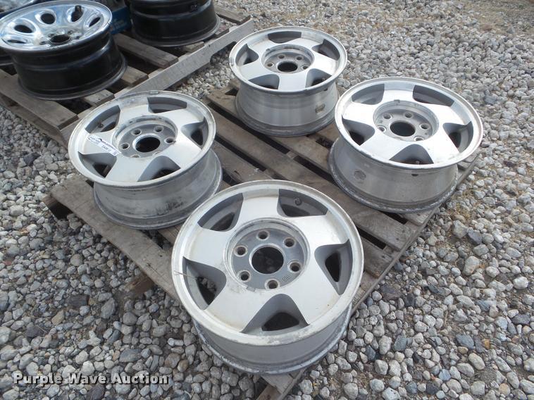 (4) 1991 to 1998 GMC 1500 pickup truck wheels