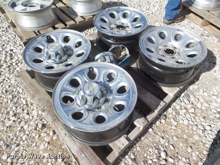 (4) 2006 GMC 1500 pickup truck wheels