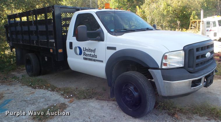 2007 Ford F450 Super Duty flatbed truck