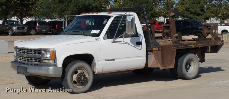 1999 Chevrolet 3500 flatbed pickup truck