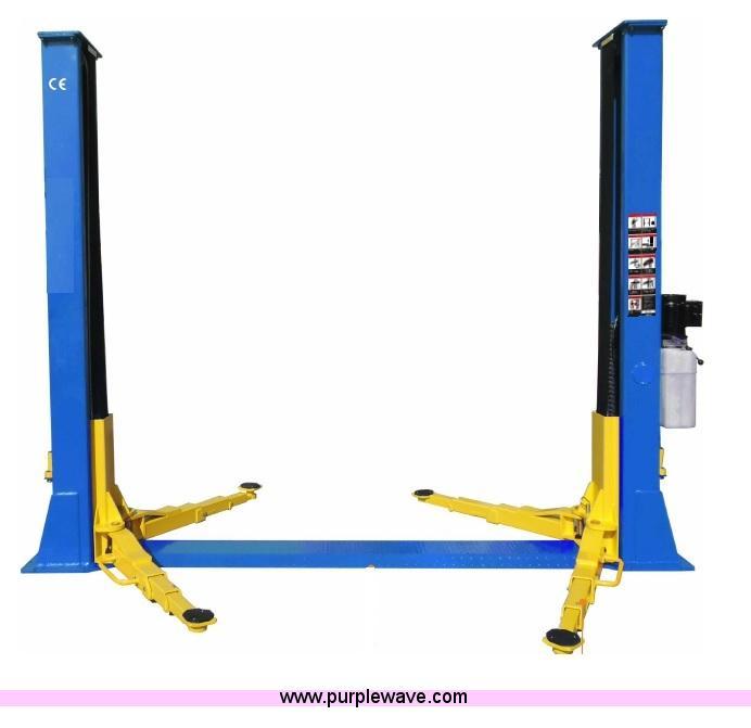 Two post car/truck lift
