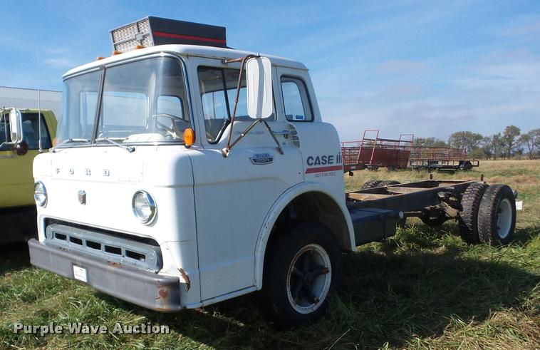 1966 Ford C600 truck cab and chassis