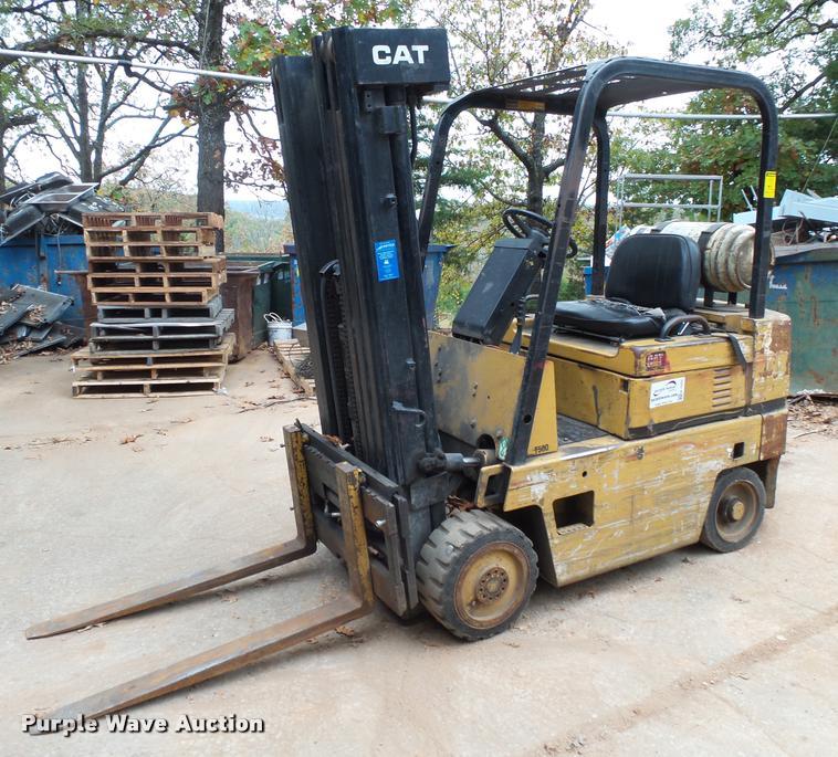 Caterpillar T50D forklift