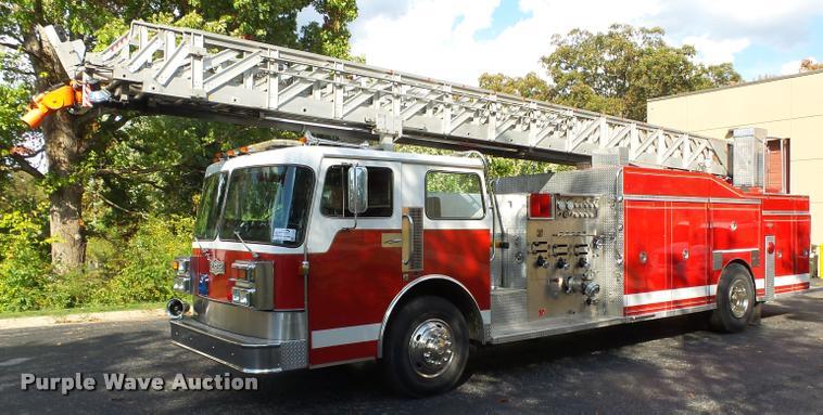 1985 Pirsch ladder fire truck