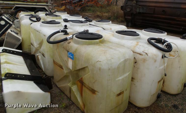 (12) calcium chloride poly tanks