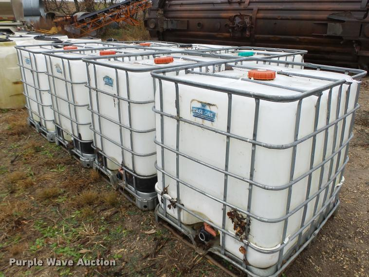 (7) fluid container totes