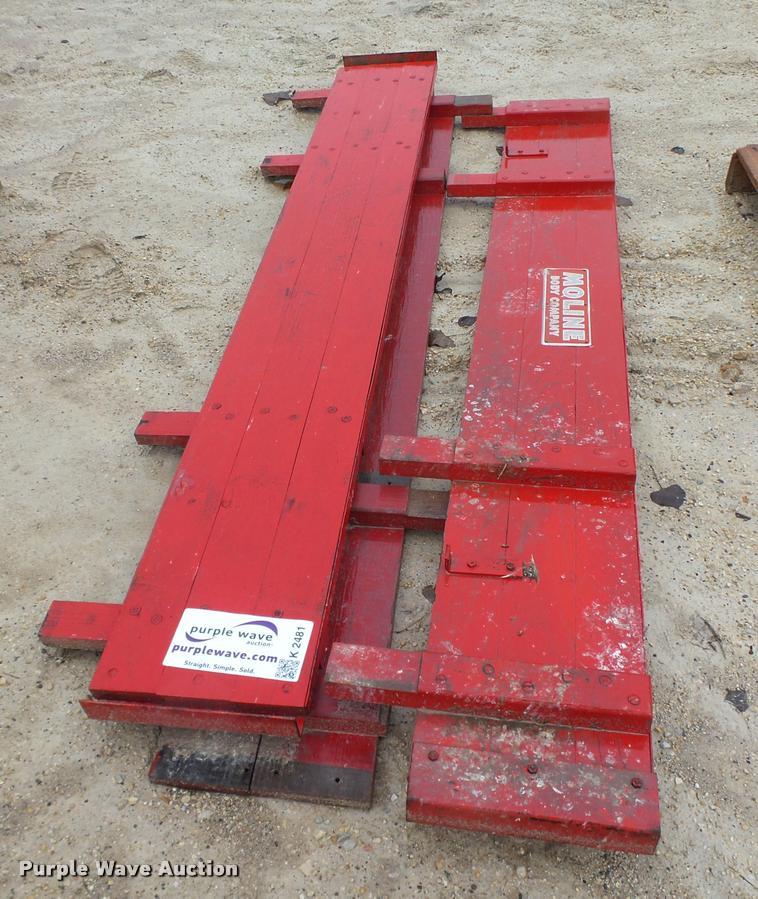 (3) side boards