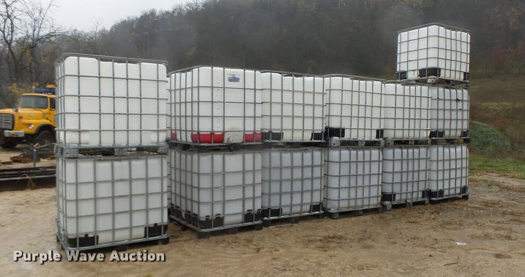 (23) fluid tote containers