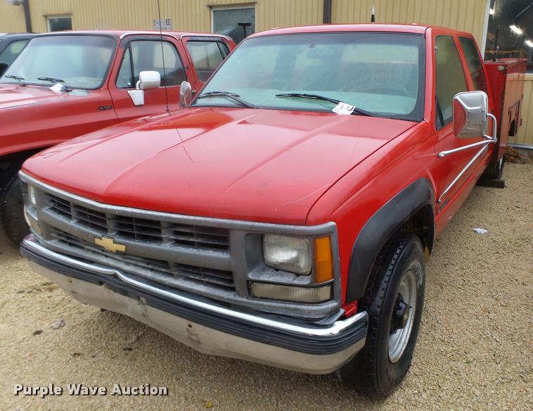 1999 Chevrolet 3500 Crew Cab utility truck
