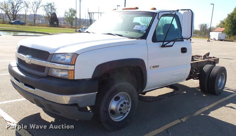 2003 Chevrolet Silverado 3500 pickup truck