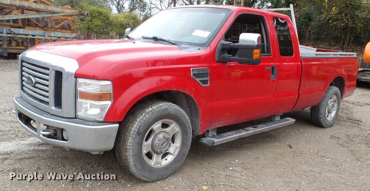 2010 Ford F250 Super Duty XLT SuperCab pickup truck