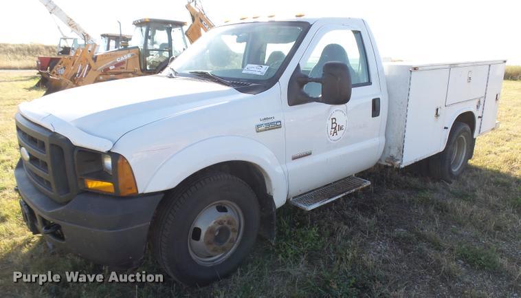 2006 Ford F350 Super Duty utility truck