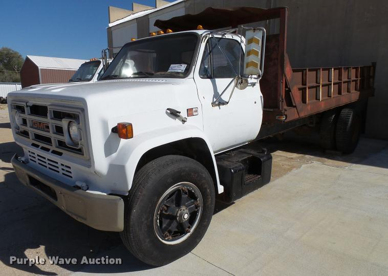 1989 GMC TopKick 7000 flatbed truck
