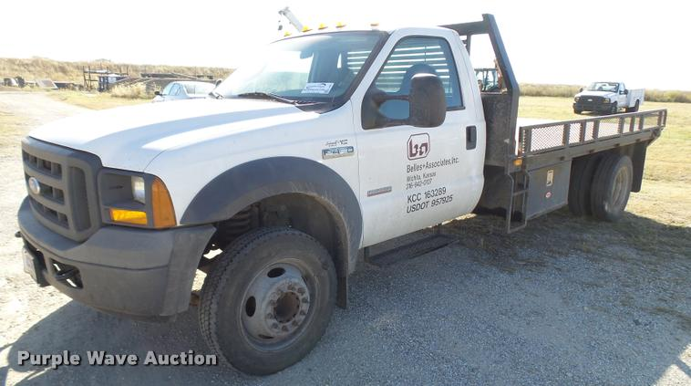 2005 Ford F450 Super Duty flatbed truck