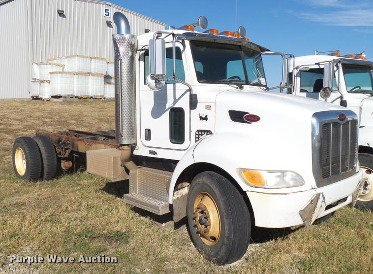 2009 Peterbilt 335 truck cab and chassis