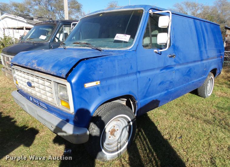 1987 Ford Econoline E150 van