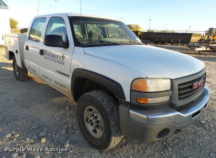 2006 GMC Sierra 2500HD Crew Cab utility truck