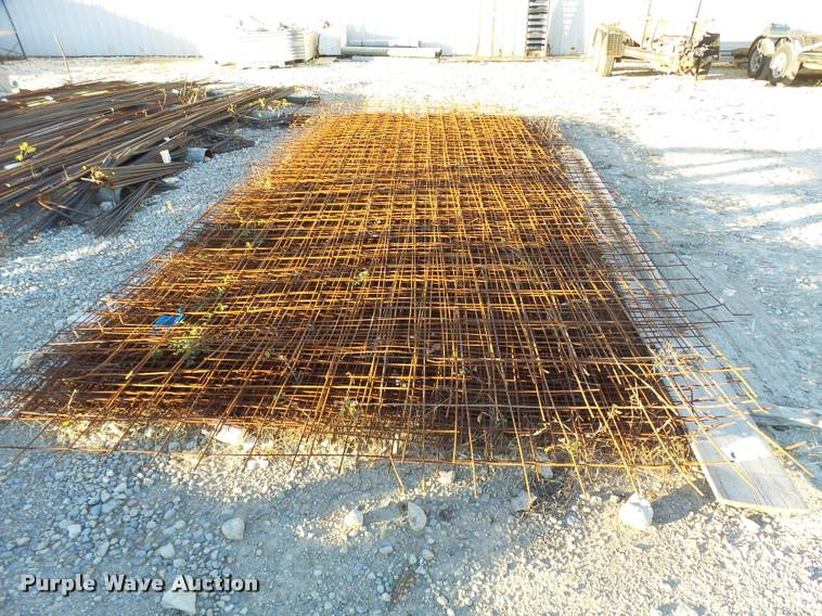 (27) pieces of wire mesh