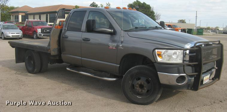 2008 Dodge Ram 3500HD SLT Quad Cab flatbed pickup truck