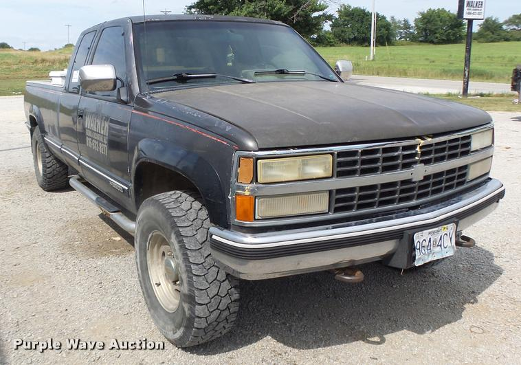 1991 Chevrolet 2500 Ext. Cab pickup truck
