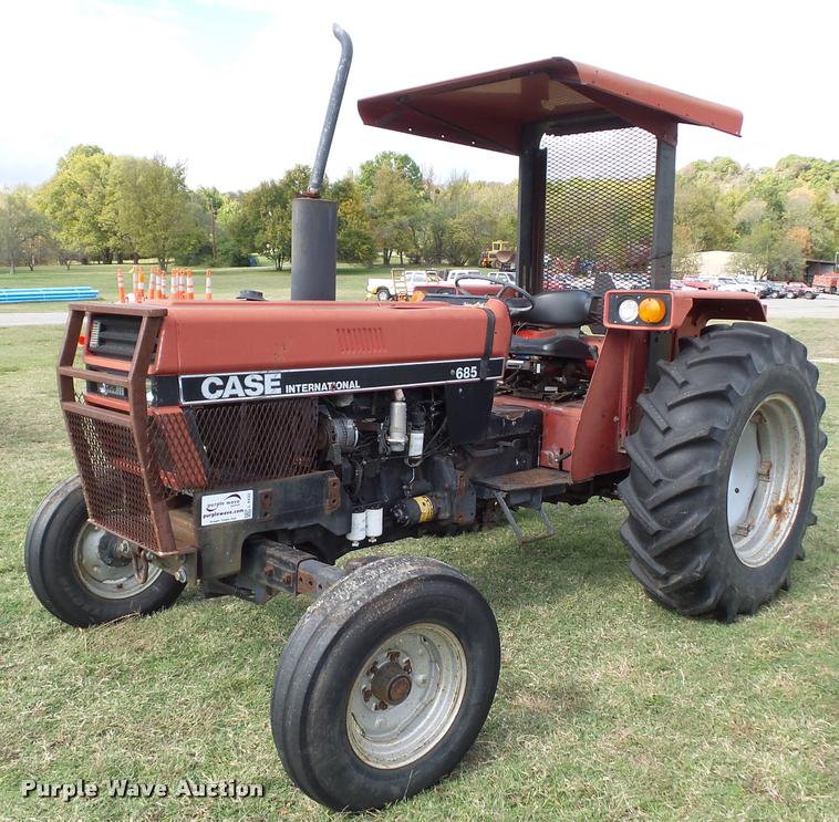 1988 Case IH 685 tractor