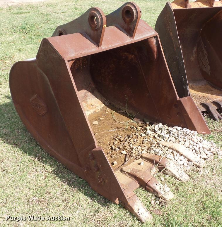 Hensley excavator bucket