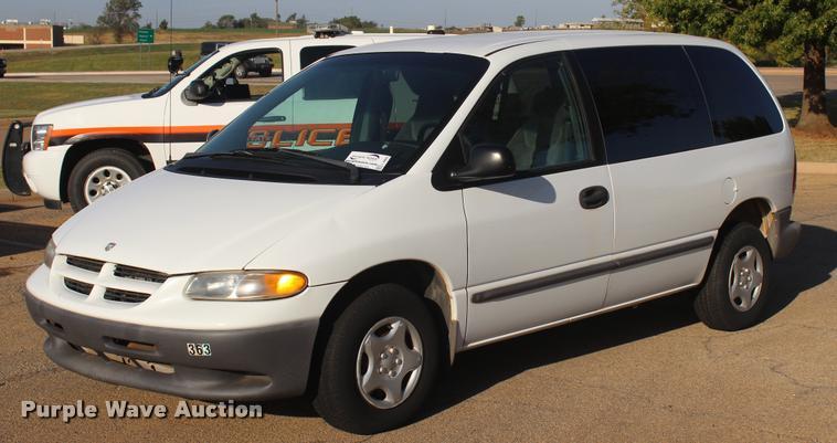 2000 Dodge Caravan van