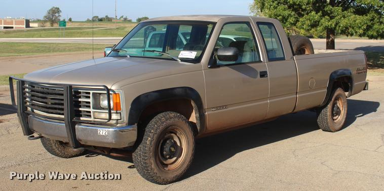 1993 Chevrolet 2500 Ext. Cab pickup truck