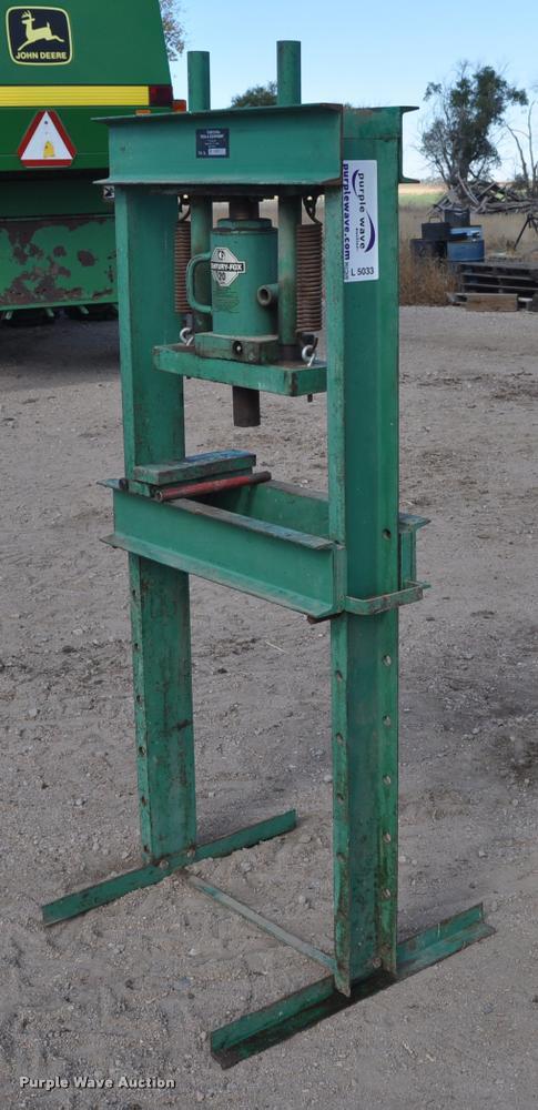 Carolina Tool & Equipment hydraulic press