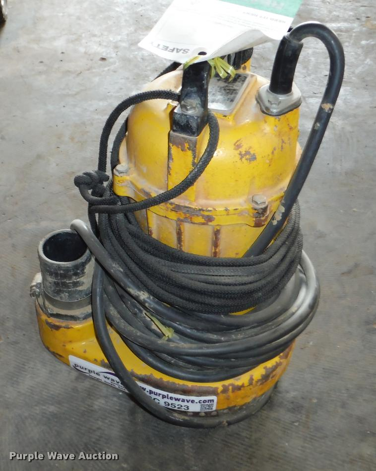 Wacker STP400 submersible pump