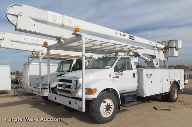 2007 Ford F750 Super Duty bucket truck