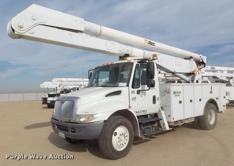 2008 International DuraStar 4300 bucket truck
