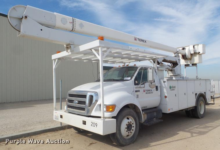 2008 Ford F750 Super Duty bucket truck