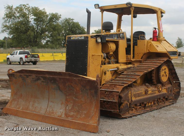 1998 Caterpillar D6M dozer