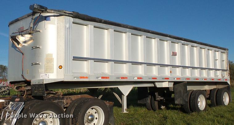 1999 Travis T102 end dump trailer