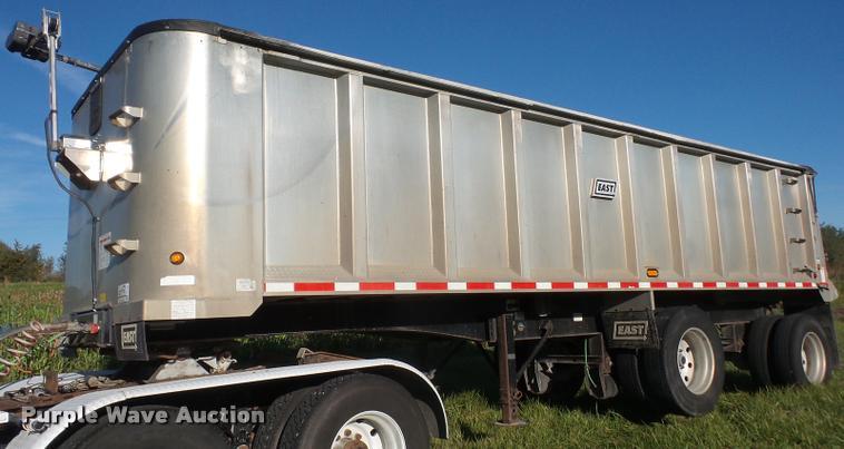 2007 East end dump trailer