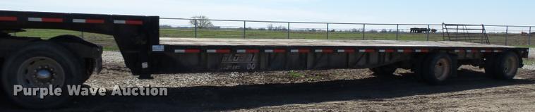 2002 Global 4811SPD drop deck trailer