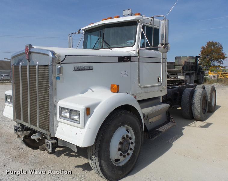 1984 Kenworth semi truck