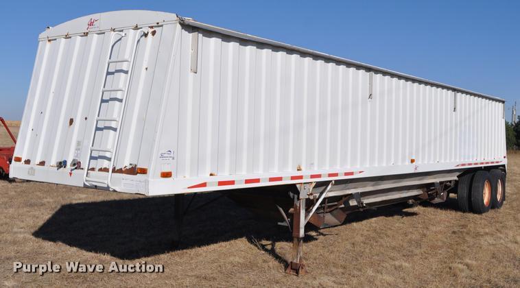 1997 Jet double hopper grain trailer