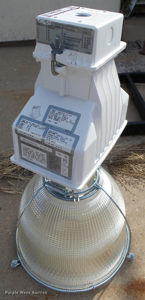 (32) halophone bay lights