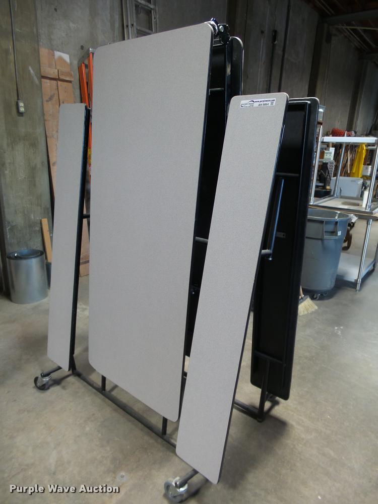 (5) Midwest Shur-Lok folding lunch tables