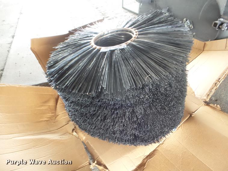 (31) street sweeper broom pads