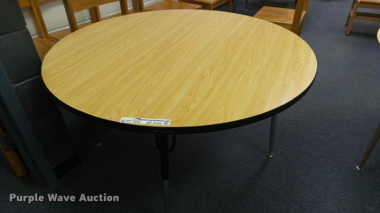 (6) round tables