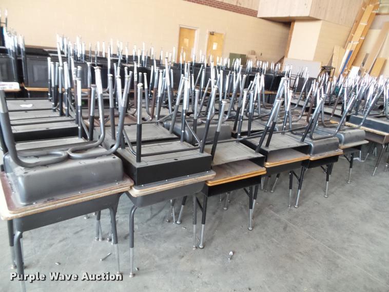 (48) student desks