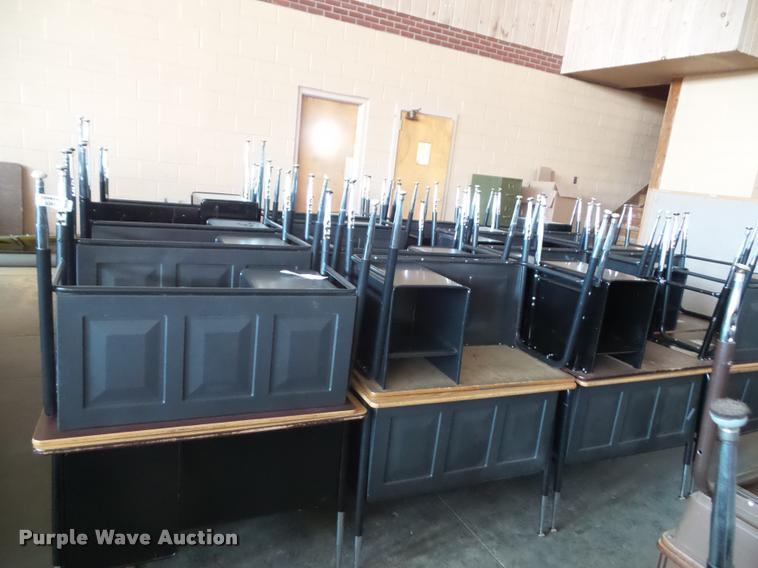 (40) student desks