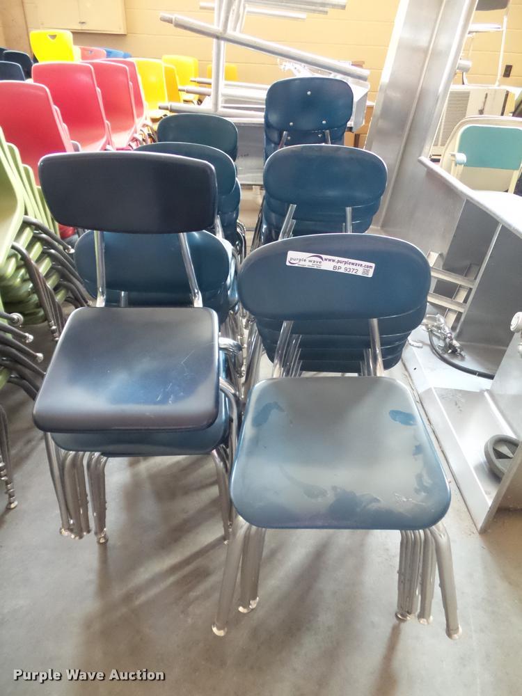 (32) child chairs