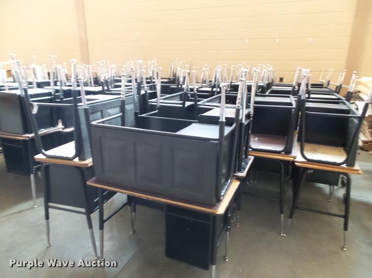 (46) student desks
