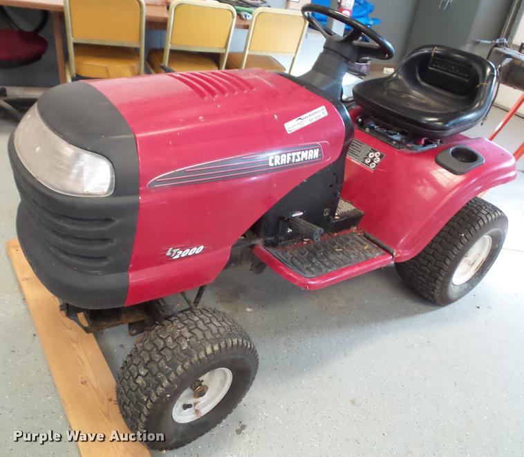 Craftsman LT2000 lawn mower
